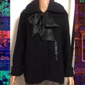 Black H&M Wide Collar Sweater With A Satin Bow